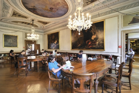 Biblioteca, Sala dei dizionari