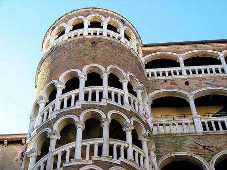 Il Palazzo del Bovolo restituito alla città